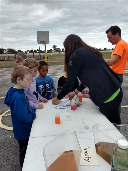 FIT Science Bus visits Holland Elementary