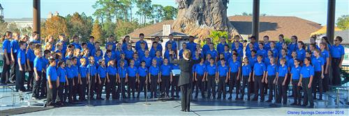 Image of Surfside Singers singing at Disney